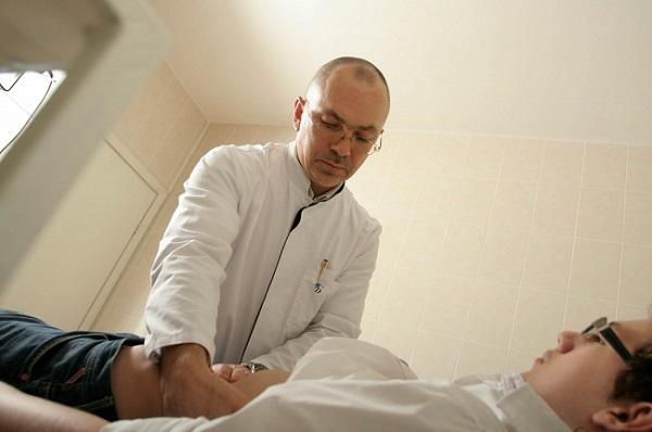 пациент на приеме у дерматовенеролога